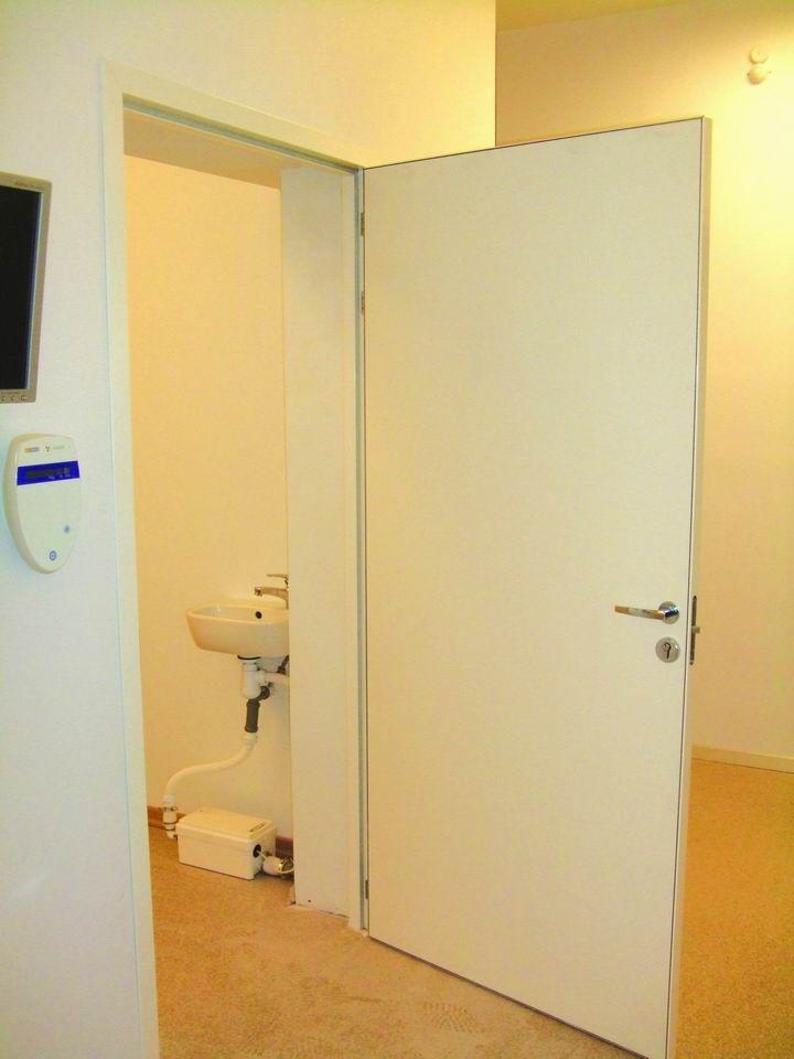 Медицинские двери от производителя
